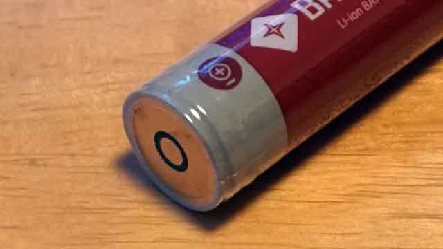 ビーコンライト バッテリーのコンタクト